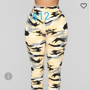 Fashion Nova camo leggings